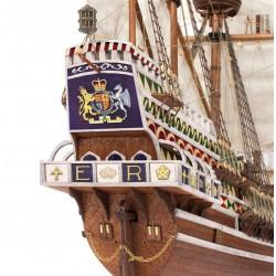 Voici une magnifique réplique d'un Galion anglais, le HMS Revenge, Occre 13004 , EAN 8436032424330