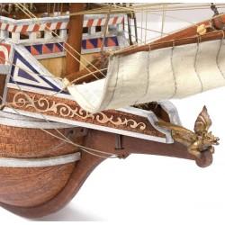 Voici une magnifique réplique d'un Galion anglais, le HMS Revenge, Occre 13004, EAN 8436032424330