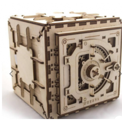 Ugears, le coffre fort,...