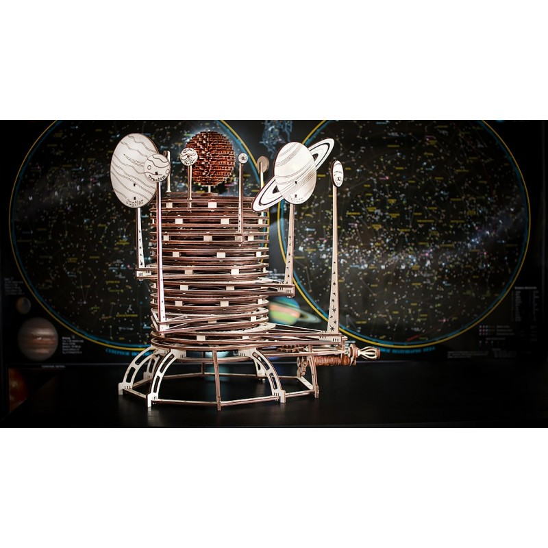 planétarium a assembler , avec mouvement des planètes.