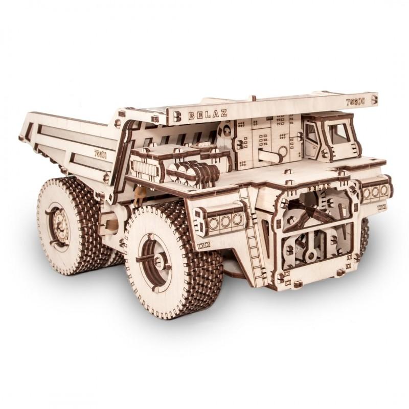 maquette de camion taille xxl , en bois, à assembler sans colle. Belaz 75600