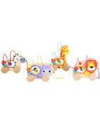 Une gamme de jouets en bois adaptée pour les bébés de 6 à 24 mois.